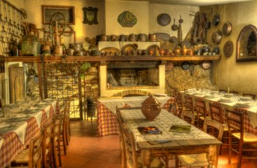 <a href='http://www.portaledelleosterie.it/andarosterie_cerca_dettaglio.php?id=327'><b>Agriturismo Malvarina</b> - Assisi (PG)</a>
